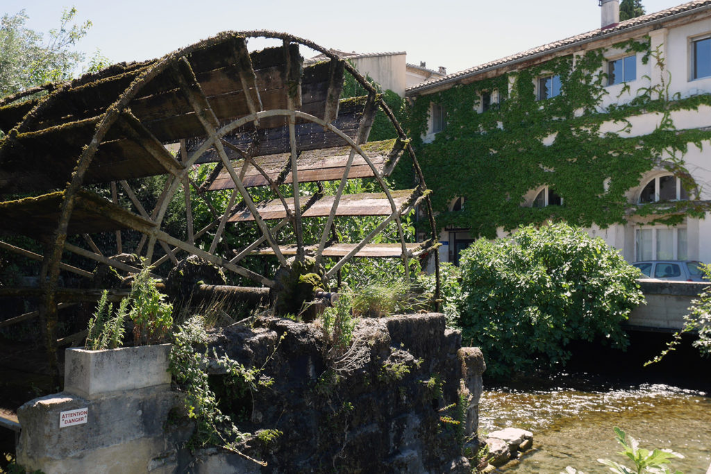 Water-wheel-L'Isle-sur-la-Sorgue