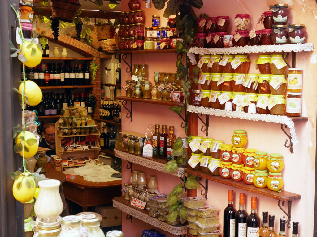 food-shop-taormina-sicily